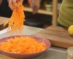Салата от моркови с тиквени семки