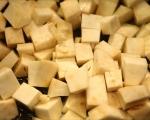 Супа от картофи и целина с гъби и орехи 2