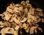 Супа от картофи и целина с гъби и орехи 5