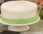 Празнична двуетажна торта 9