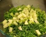 Млечна салата с ябълки и мента 3