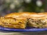 Палачинкова торта със зеленчуци и сирена