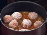 Яхния от зрял фасул с кюфтета и маслини 4