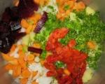 Зеленчукова крем супа с цвекло, ябълки и печени чушки