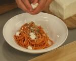 Спагети с песто от чушки 12