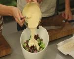 Салата от броколи с бекон и синьо сирене 5