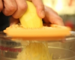 Картофени тиганици с авокадо и чушки