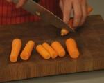 Топла салата от моркови и ябълки