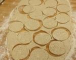 Крекери със сирене и кимион 6