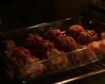 Кюфтета от свинско с винен сос  3