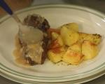 Кюфтета от свинско с винен сос  9