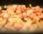 Фритата с бекон, грах и макарони 3