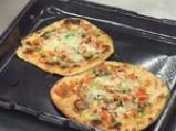Грил пица с лук и сирене 5
