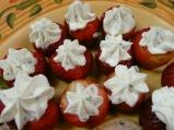 Пълнени ягоди със сметана