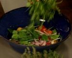 Пъстра салата с крутони от качамак 6
