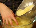 Картофи с лук и домати на фурна 2