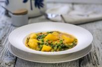 Къри с картофи и спанак