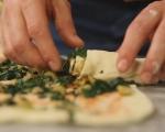 Рула от тесто със спанак и маслини 9
