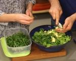 Зелена салата с авокадо и семена 6