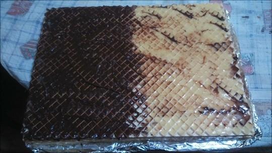 Вафлички с кафяв и жълт крем