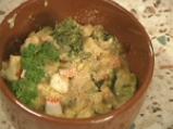 Гювече с броколи и рулца от раци