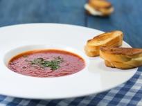 Супа от печени домати с крутони