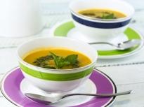 Супа от тиквички с писту
