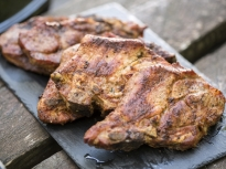Свински пържоли на скара