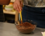 Шоколадови тарталети с боровинки 3