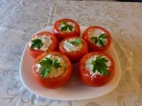 Пълнени домати със сирене, гъби и кис...