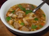 Гъбена супа със зелев сок
