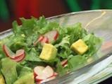 Зелена салата с билкова заливка