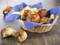 Хлебчета с тиквени семки и стафиди
