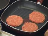 Хамбургери с кисели краставички 3