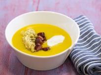 Супа с китайско зеле и наденички