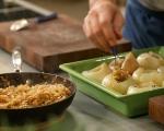 Пълнен лук с ориз и орехи 10