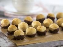 Постни кокосови сладки