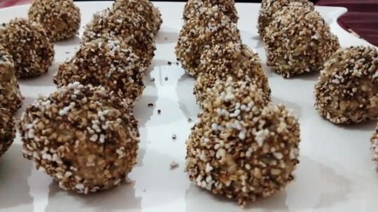 Сурови бонбони с пуканки от амарант