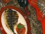 Печена скумрия в пресен доматен сос