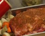Печен свински врат със зеленчуци 4