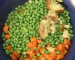 Печен свински врат със зеленчуци 11