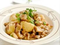 Пиле с картофи по китайски