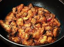 Пиле с черен пипер
