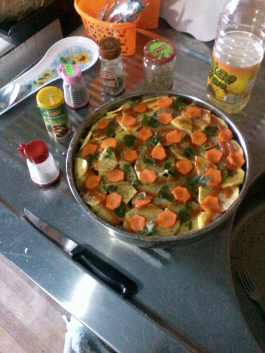 Печени свински филийки със зеленчуци