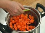 Салата от варени зеленчуци със сос от копър и горчица