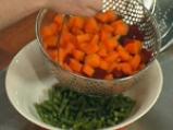 Салата от варени зеленчуци със сос от копър и горчица 3