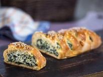 Плетен хляб с извара и спанак