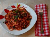 Спагети с червено цвекло