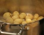 Картофи с масала и яйца на тиган 2