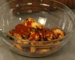 Печени пилешки крилца със сос от синьо сирене 5